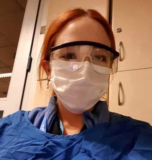 Başbakan Ersin Tatar'ın, Hacettepe Hastahanesi'nde eğitimini sürdüren doktor kızı Cansu Tatar, karantina hastanesinde görev aldı.