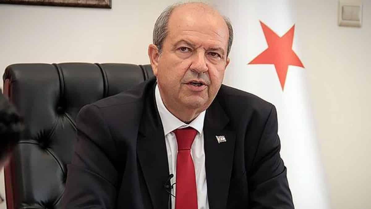 Kuzey Kıbrıs'ta başbakan, bakan ve vekil maaşlarından yüzde 56 kesinti yapıldı