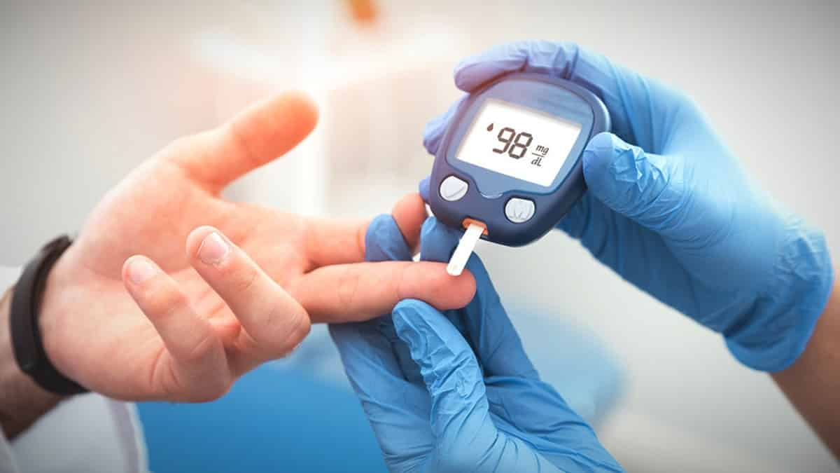 Corona virüsü diyabeti olan hastaları nasıl etkiliyor?