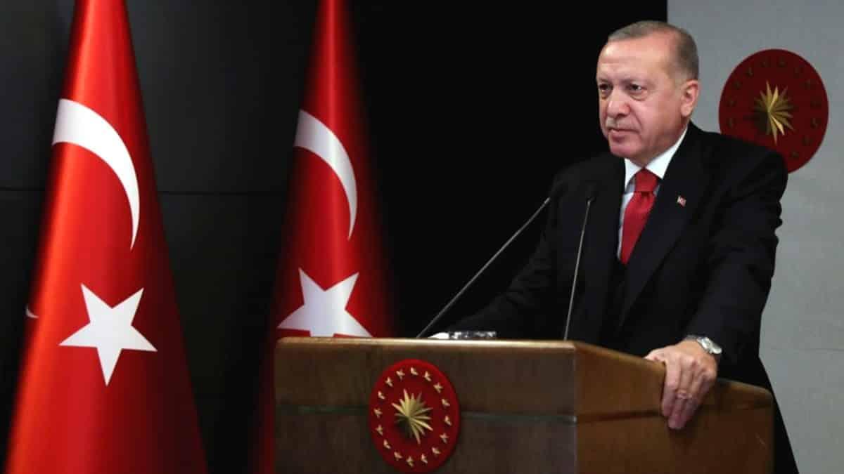 Erdoğan: Hükümete geldiğimizde bu ülkede doğru dürüst ambulans bile yoktu