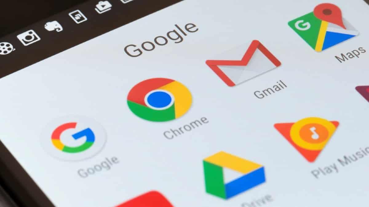 Google: Bu uygulamaları telefondan silin, kart bilgileriniz çalınabilir!