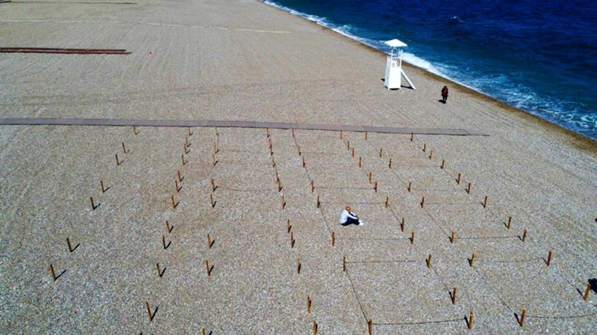Konyaaltı sahilinde yeni düzenleme: 20 dakika kuralı getirildi, sigara yasak!