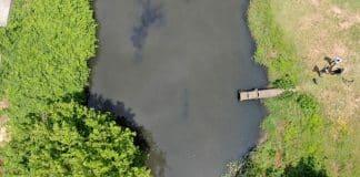Eskiden suyu içilen Riva Deresi artık kirlilikten siyah akıyor!