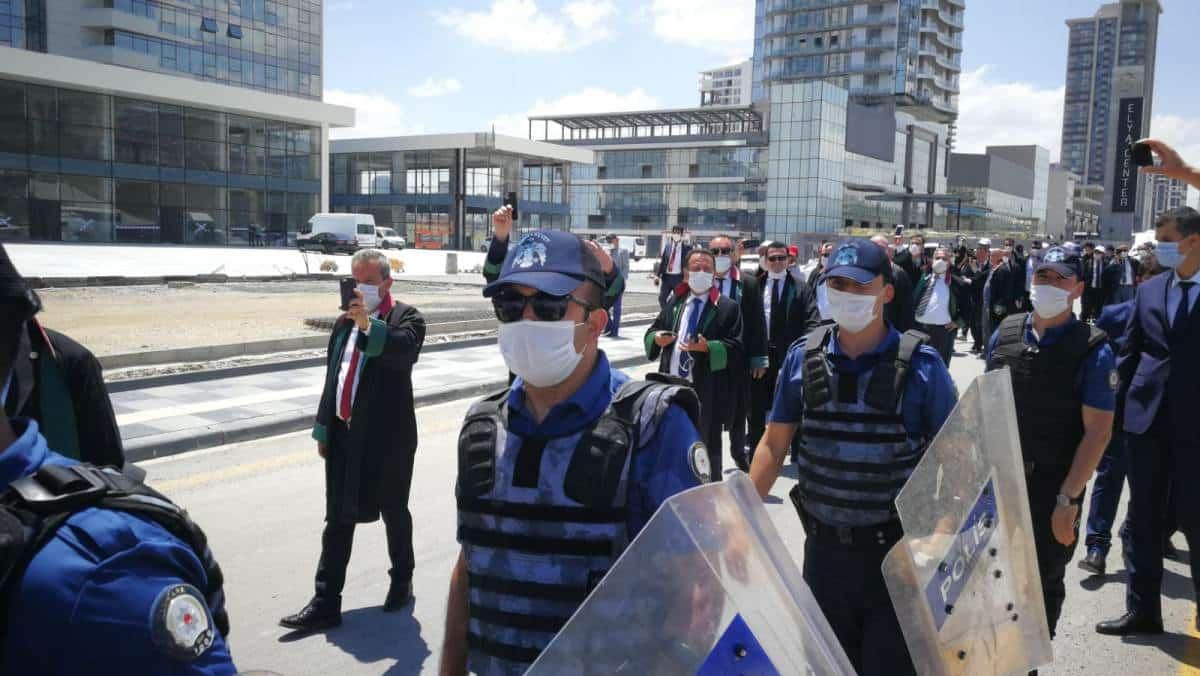 barolar yürüyüş polis