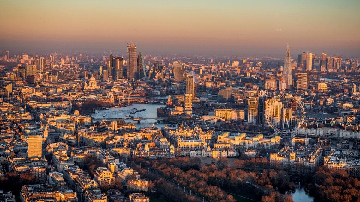 İngiltere ekonomisi yüzde 30 küçüldü: Son 300 yılın en derin krizine doğru ilerliyor!