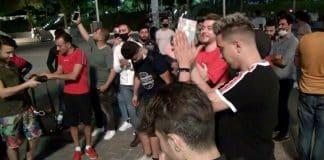 Taksim Meydanı Arapların sosyal mesafesiz eğlencesi