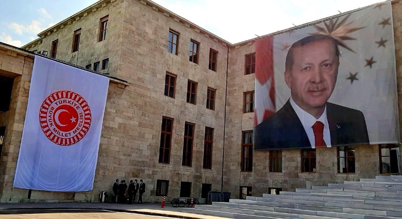 tbmm erdoğan posteri