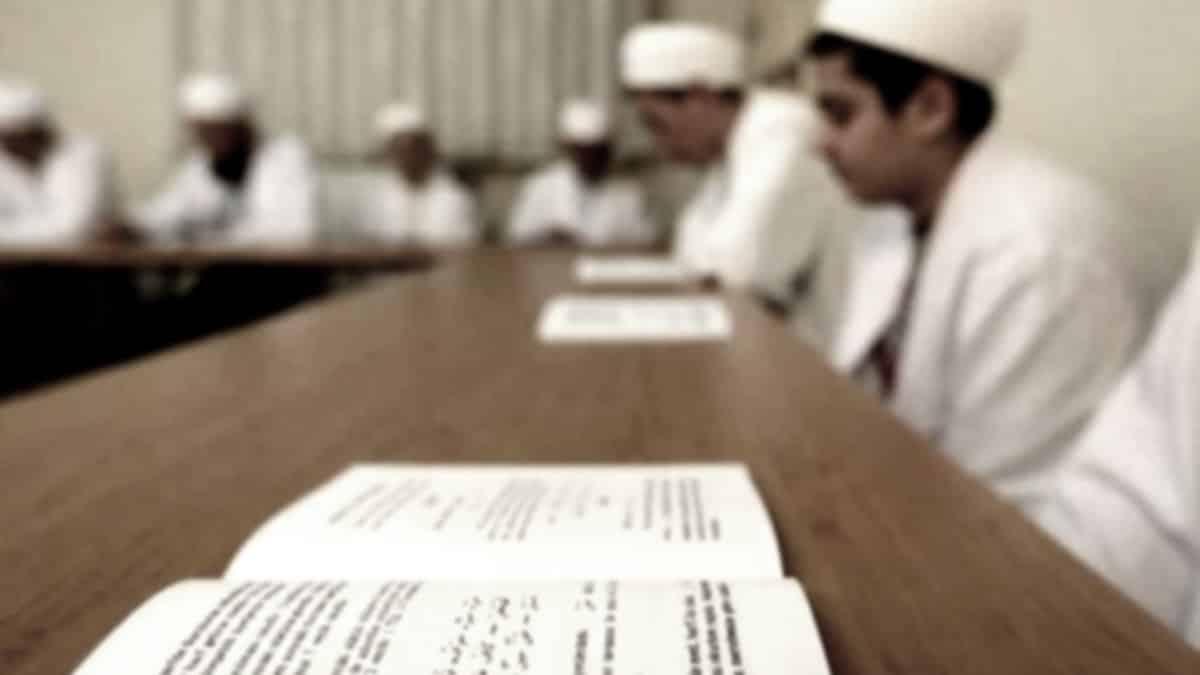 Okullara ara verildi ama Kuran kursları yüz yüze eğitime başlıyor!