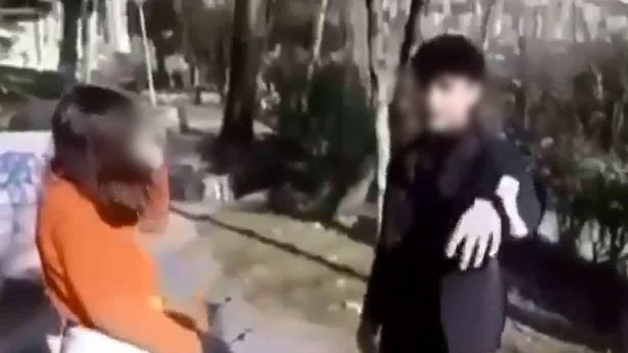 18 yaşından küçük sevgilisini döverken video kaydı aldı