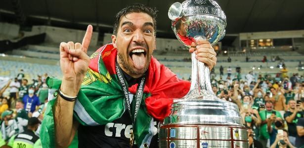 Brezilyalı ünlü teknik direktör Vanderlei Luxemburgo ile başlayan sezon Portekizli Abel Ferriera ile sona erdi