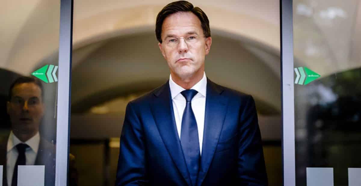 Hollanda da çocuk yardımı skandalı: Hükumet istifa etti