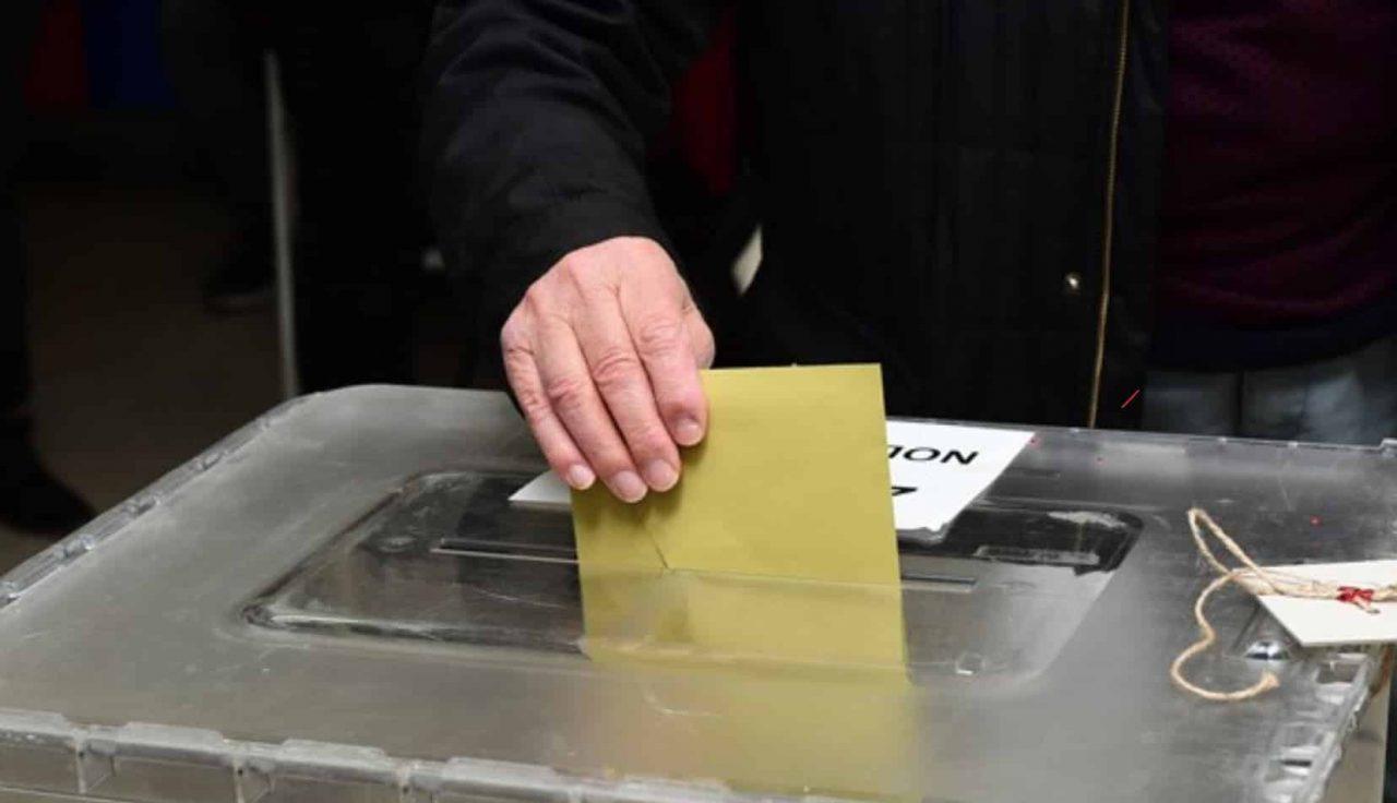 Son seçim anketi: Cumhur İttifakı yüzde 40'ın altına düştü, 2 parti baraj altında