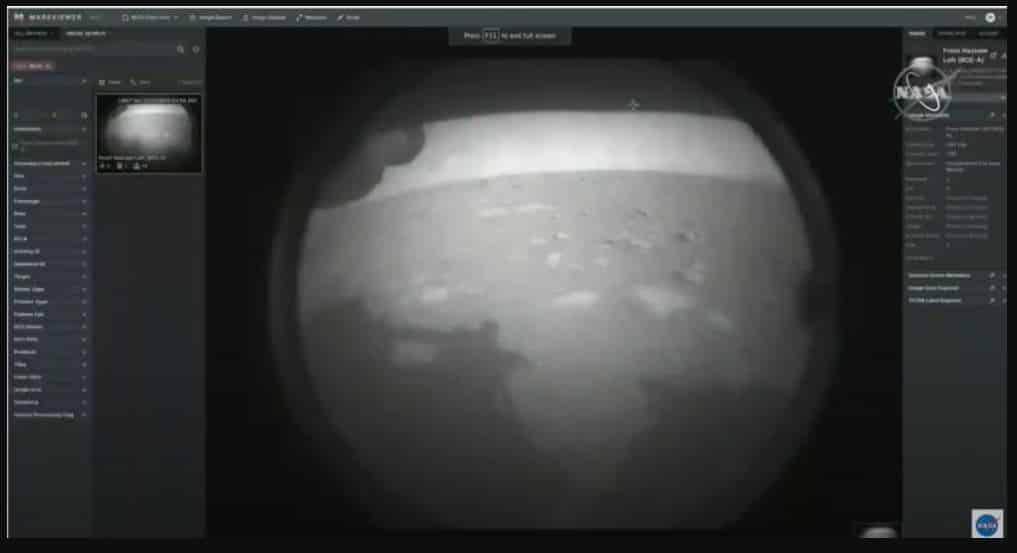 Uzay aracının Mars'tan çektiği ilk görüntü: