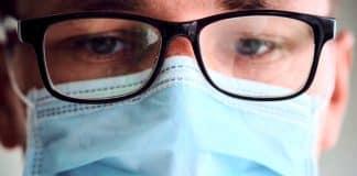 Gözlük kullananlar corona virüse 3 kat daha az yakalanıyor