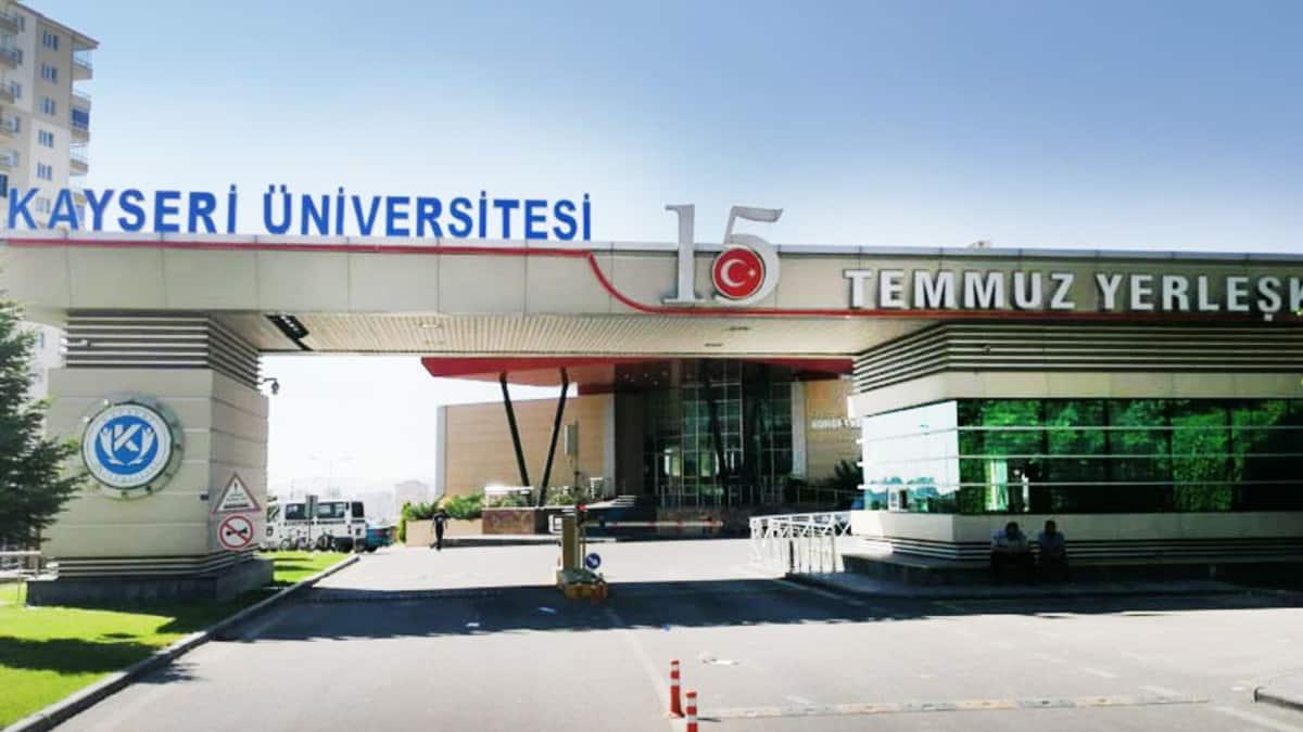 Kayseri Üniversitesi Rektörü için biri 4X4 olmak üzere iki araç kiralandı