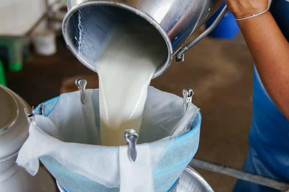 çiğ sütü kaynatmak